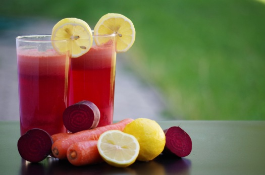 smoothie-fruit-vegetables-salad-beetroot-carrots-161454
